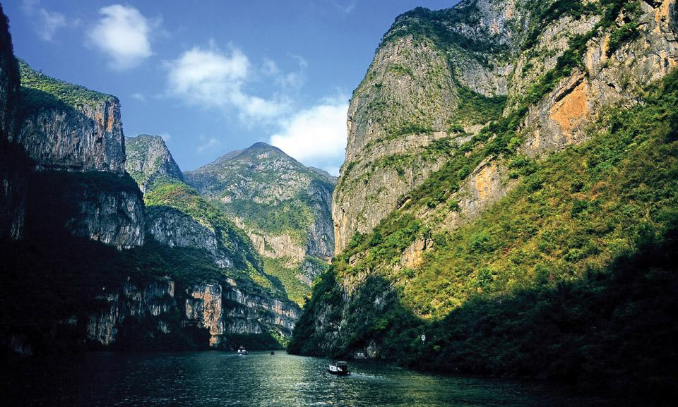 China Holidays_three gorges_big.jpg