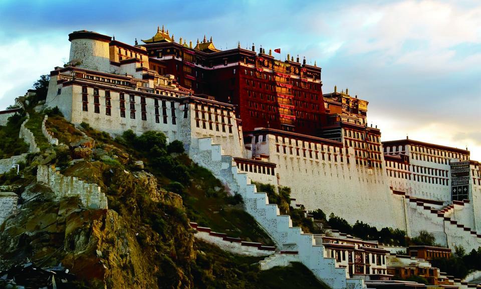 Lhasa potala palace.jpg