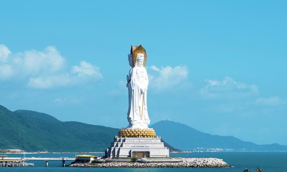Sanya 3faced buddha.jpg