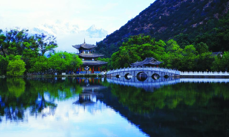 yunnan black dragon pool.jpg