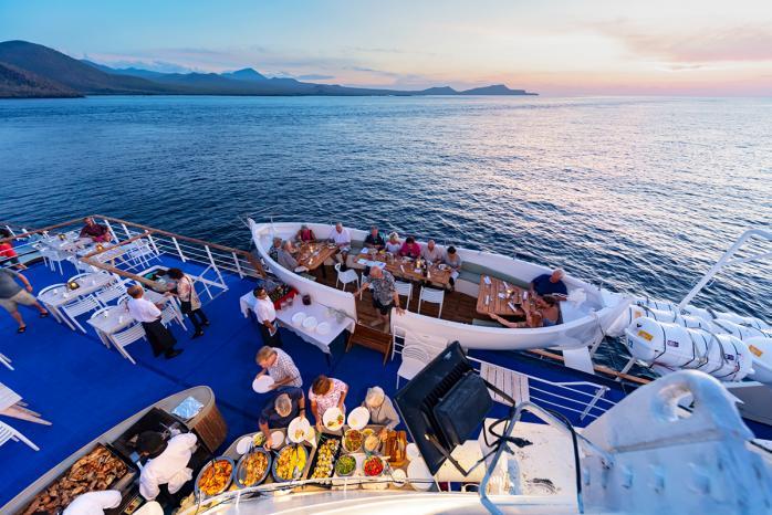 life boat dining (moondeck).jpg